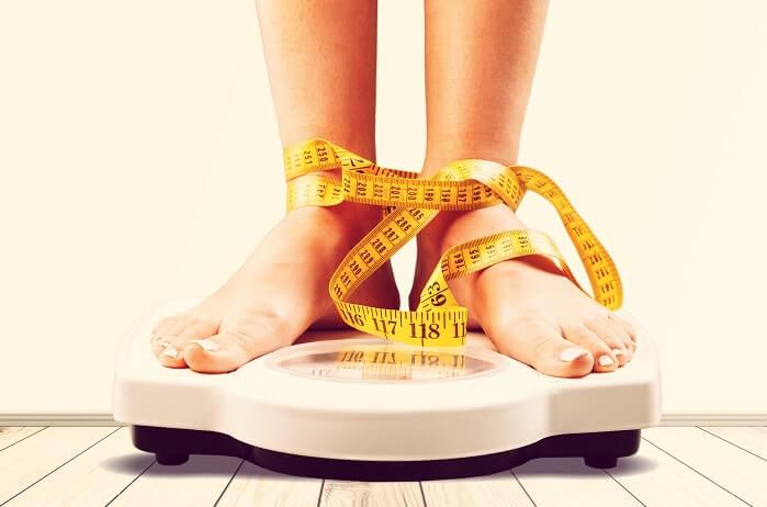 体重計と足