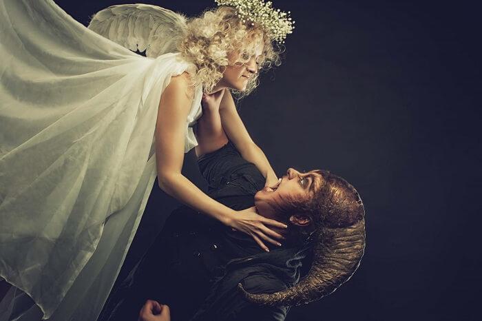 天使と悪魔の争い